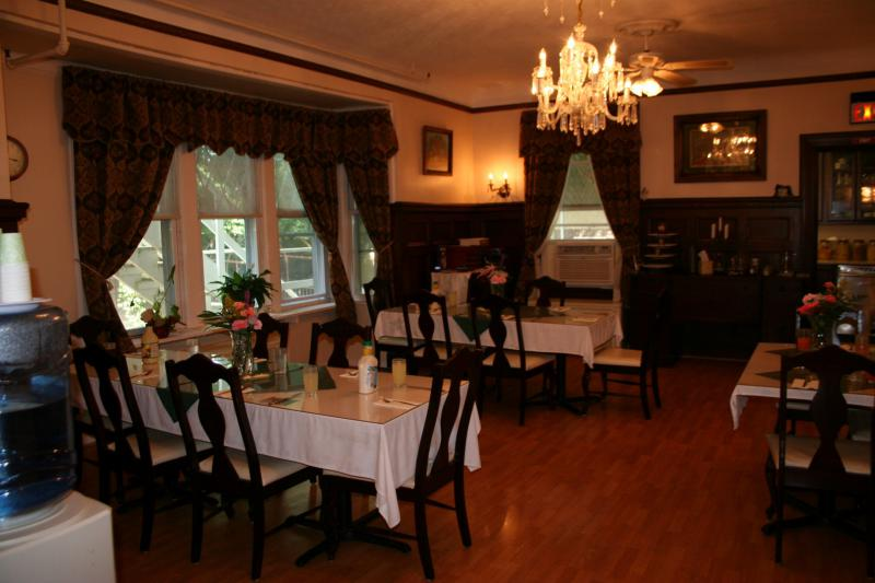 Dining Room - Mansion