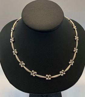 White gold neckalce