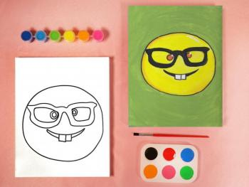EMOJIS WITH GLASSES PAINT SET