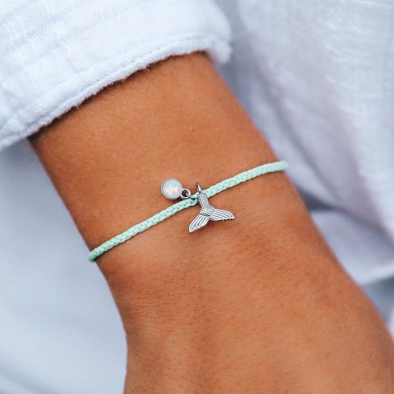 Pura Vida Mermaid Fin Charm Bracelet in Winterfresh