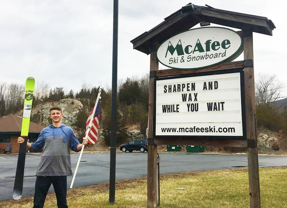Max-standing-by-the-Mcafee-ski-and-snowboard-sign-at-105-route-94-vernon-nj-WEB-1000x724-1920w